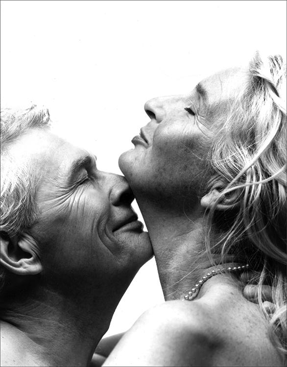 The Kiss, Pfizer