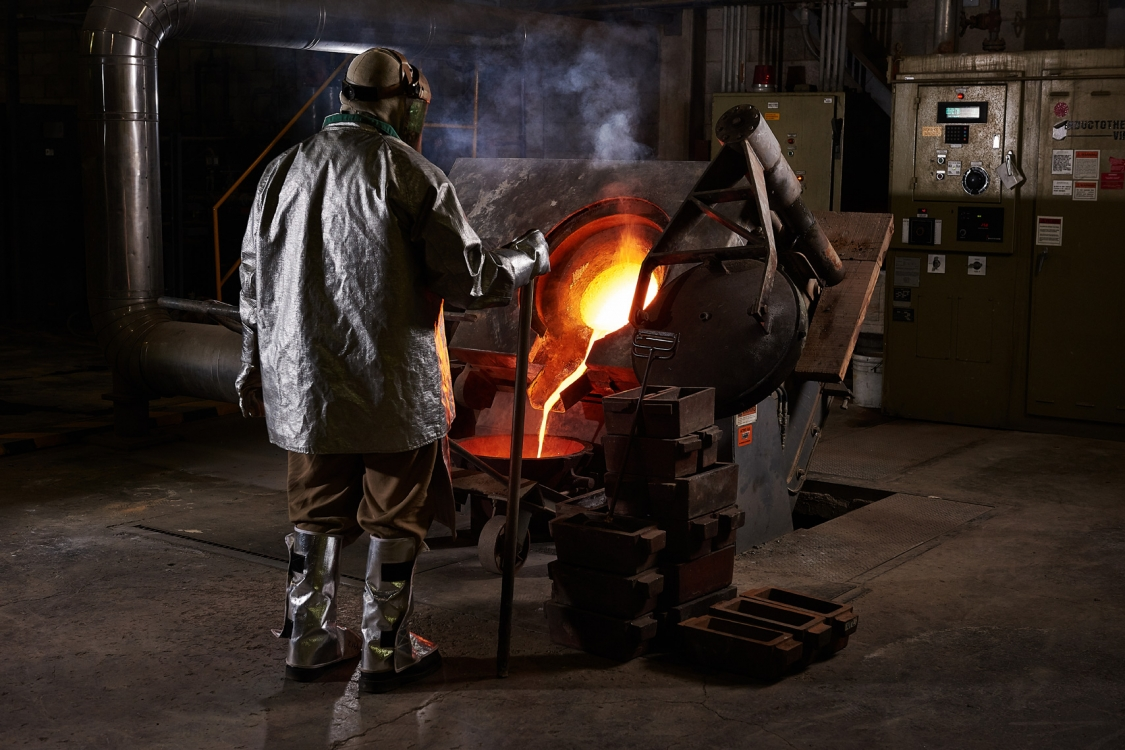 2017 - Vancouver - Corporate - Photographer - Erich Saide - Mining - Leagold - Gold pour